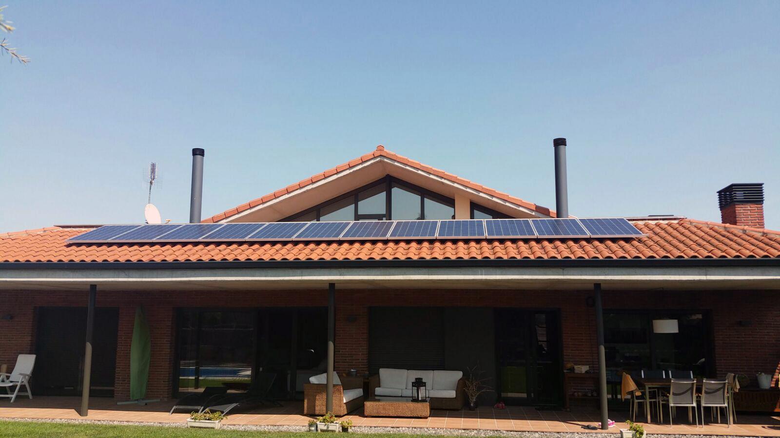 Instal·lació d'autoconsum fotovoltaic amb bateria SONNEN