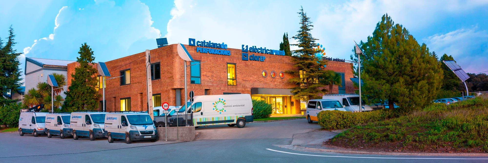 Oficines centrals del Grup Aquacenter: Elèctrica Pintó, Catalana de Perforacions, Domini Ambiental, clorEP, Webdom Labs i Gestió Solar