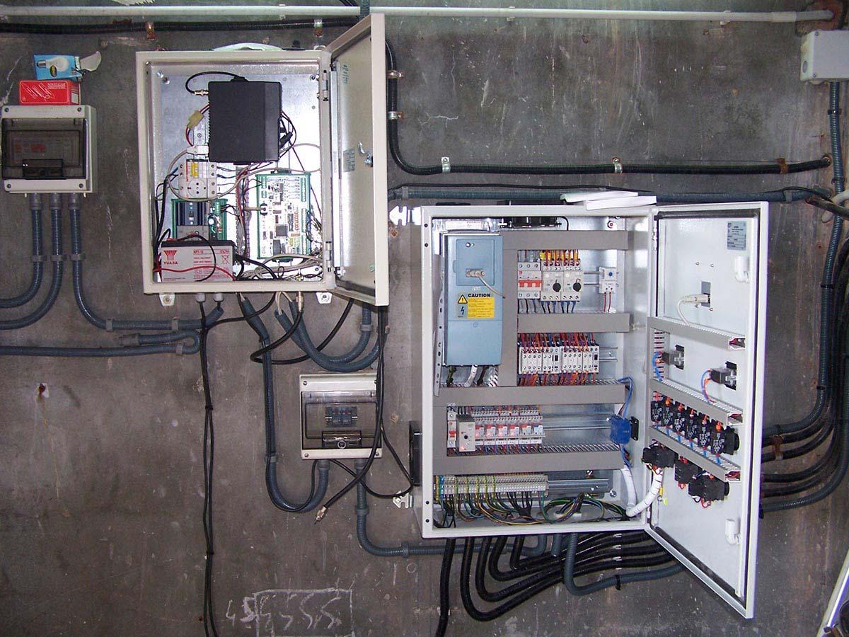 Equips de telecontrol per a telegestionar les instalacions de tractament, subministrament, distribució d'aigua a poblacions de Catalunya