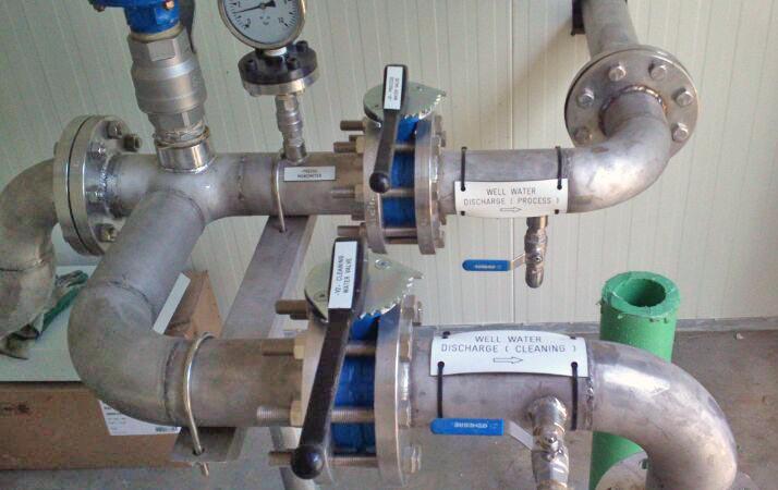 Equipament de pous profunds per a la captació d'aigua potable i aigua hiper-salina a Dubai i Hatta