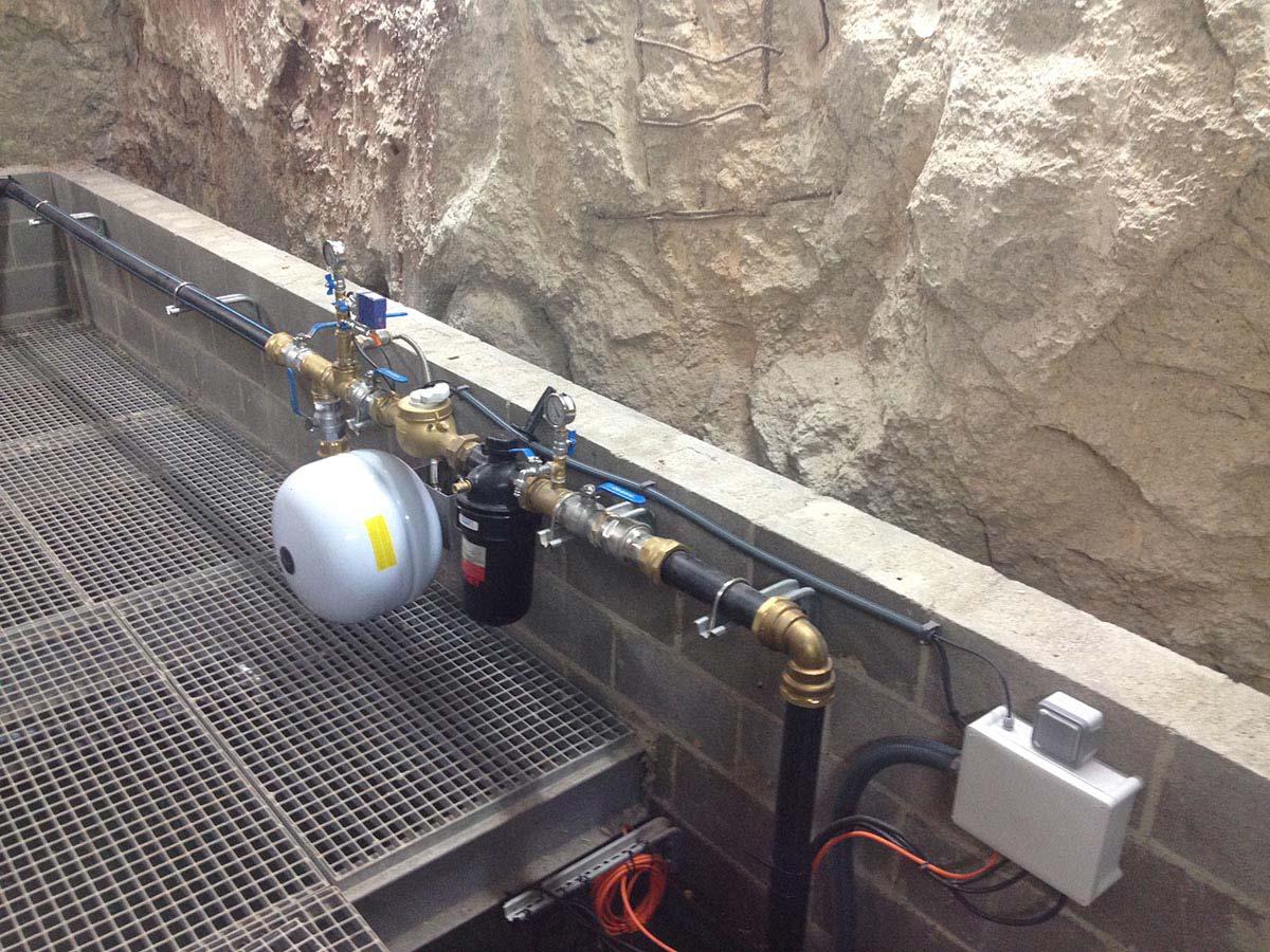 Equipament de pous i grup de pressió per sistema de reg a l'Hospital de Sant Pau