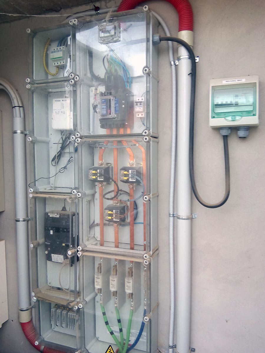 Instal·lació per a la monitorització energètica a sis edificis del Segrià