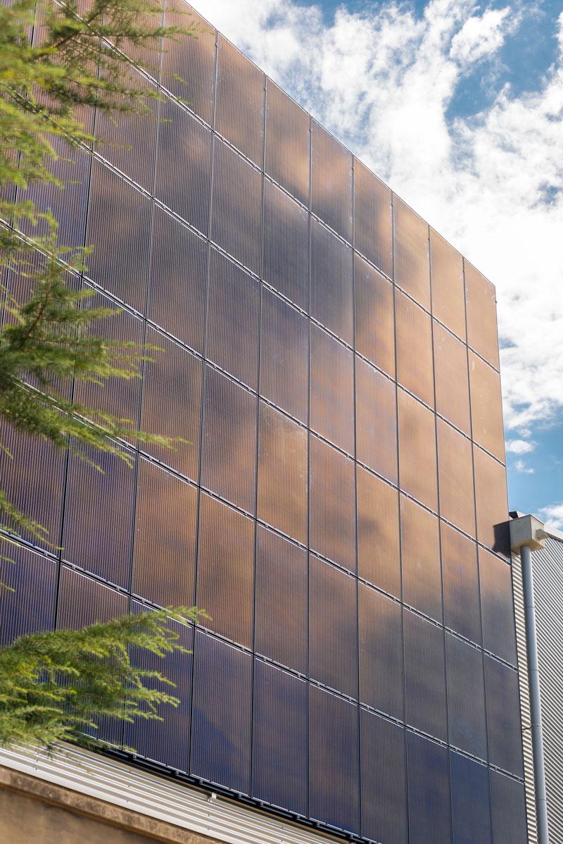 Instal·lació Fotovoltaica Industrial Integrada en Arquitectura